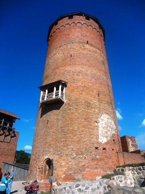 Латвия. Турайдский замок. Вход в Главную башню