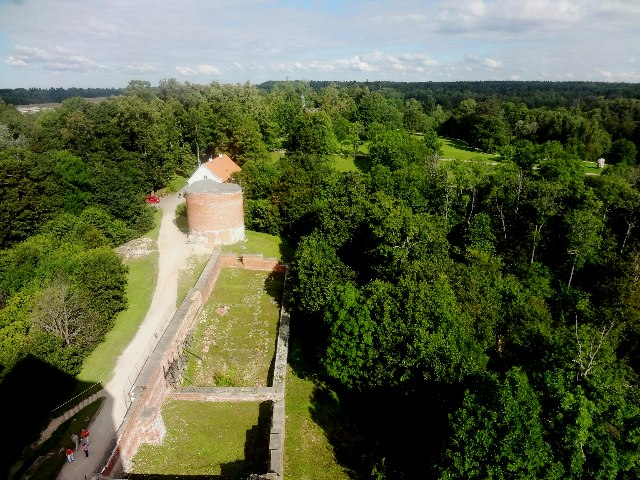 Латвия. Турайдский замок. Вид с башни