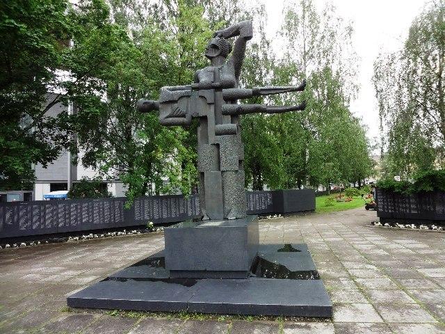 Финляндия. Лаппеенранта. Мемориальное кладбище Санкарихаутаусмаа