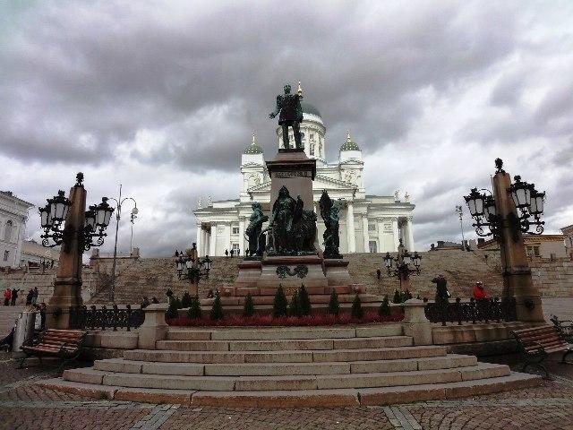 Хельсинки. Памятник императору Александру II