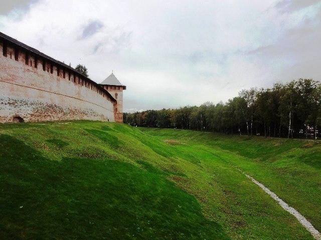 Великий Новгород. Стены кремля