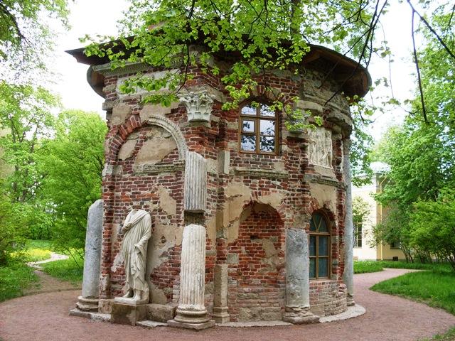 Екатерининский парк в Пушкине. Кухня-Руина