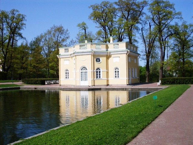 """Екатерининский парк в Пушкине. Павильон """"Верхняя ванна"""""""