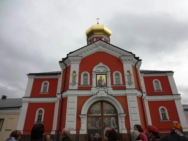 Валдай. Иверский монастырь. Надвратная церковь св. Филиппа.