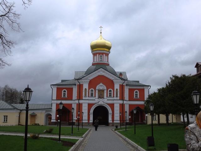 Валдай. Иверский монастырь. Надвратная церковь св. Филиппа_2
