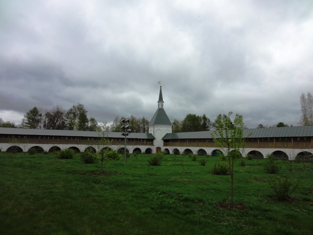 Валдай. Иверский монастырь. Монастырский сад
