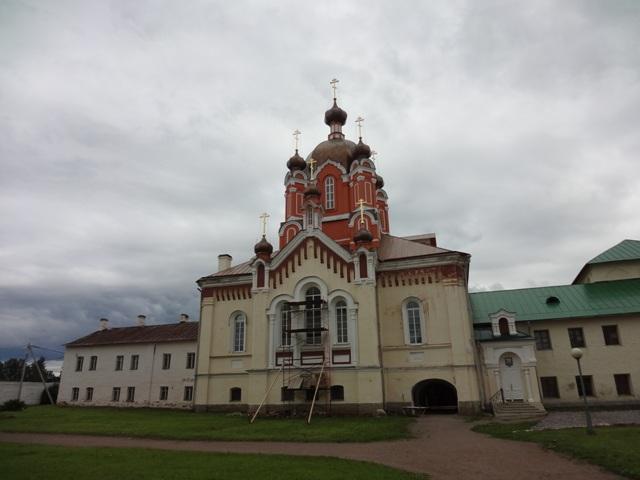 Тихвинский Богородичный Успенский монастырь. Крестовоздвиженская церковь