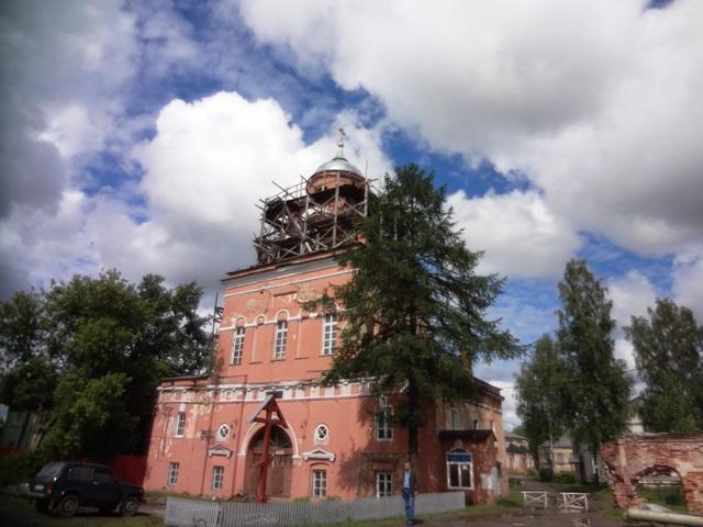 Тихвинский Введенский монастырь. Надвратная церковь