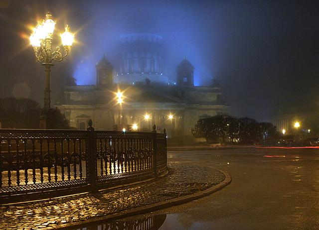 Петербург. Ночь нежна
